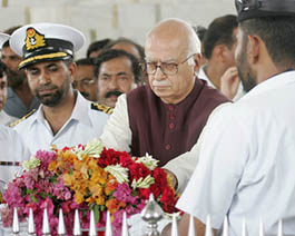 Indian opposition leader Advani lays flower wreath at mausoleum of Jinnah in Karachi